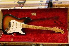 Fender / Stratocaster / 1958 / 3-tone Sunburst