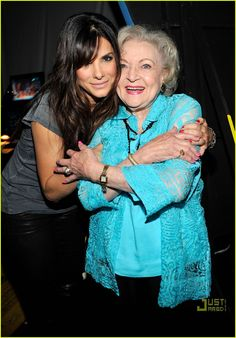 Sandra Bullock & Betty White: TCA Backside Buddies!