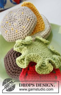 "Cheese Royale - Crochet DROPS hamburger in ""Paris"". - Free pattern by DROPS Design"
