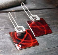 Hey, I found this really awesome Etsy listing at https://www.etsy.com/se-en/listing/36603116/dangle-enamel-earrings-red-and-black