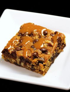 Best Brownie EVER! My brother Brent should make these for his sweet wife :) (Best Brownies Toppings) Yummy Treats, Sweet Treats, Yummy Food, Best Brownies, Cookie Brownies, Delicious Deserts, Chocolate Chip Muffins, Desserts To Make, Brownie Recipes