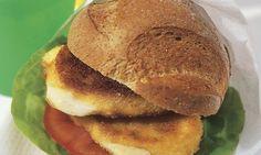 Mozzarella-Burger - Rezepte - Schweizer Milch Mozzarella, Sandwiches, Some Recipe, Curry, Veggies, Bread, Cooking, Breakfast, Ethnic Recipes