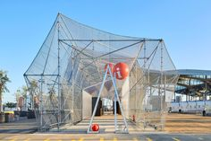 #ArquitecturaEfímera Peris+Toral apuesta por una construcción desmontable yreutilizable.  Descubrí más en