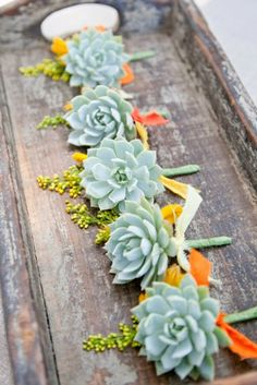 Summer Wedding Flowers | Wedding Boutonniere. http://simpleweddingstuff.blogspot.com/2014/04/summer-wedding-flowers.html