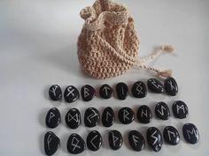 Runas  vikingas artesanales by todoencrochet on Etsy
