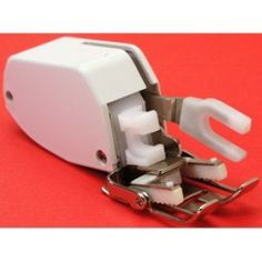 Interesting Choose the Right Sewing Machine Ideas. Cleverly Choose the Right Sewing Machine Ideas. Sewing Machine Quilting, Quilting Tools, Quilting Tutorials, Quilting Designs, Sewing Machines, Quilting Ideas, Sewing Tools, Sewing Hacks, Sewing Crafts
