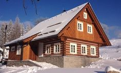 Fotogalerie realizovaných roubených staveb - roubenkyroubal.cz Swiss Chalet, Home Fashion, Studios, Country Houses, Log Cabins, House Styles, Cottages, Home Decor, Pictures