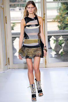Balenciaga Spring 2010 Ready-to-Wear Fashion Show - Constance Jablonski (Viva)