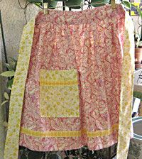 Free Sewing Pattern - How To Make a Apron Top from the Christmas