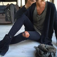 Rockin navy & grey before class gives a nod to 90's grunge   Glam Black