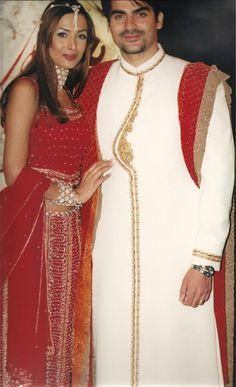 Bollywood's couple @arbaazSkhan & #MalaikaAroraKhan wearing Khubsoorat by Mani Kohli in London