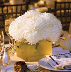 table decor-maybe navy boxes/toille/burlap?