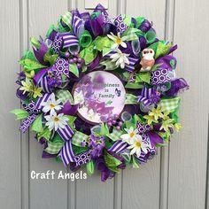 Spring Wreaths, Easter Wreaths, Summer Wreath, Mesh Wreaths, Family Crafts, Easter Decor, Wreath Ideas, Deco Mesh, Light Up