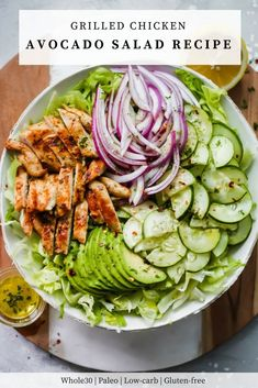 Grilled chicken avocado salad is a great salad for spring and summer! it's made with chopped lettuce, cucumber, red onions, sliced avocado topped and Grilled Chicken Salad, Avocado Chicken Salad, Grilled Chicken Recipes, Grilled Meat, Healthy Snacks, Healthy Eating, Healthy Recipes, Detox Recipes, Avocado Salad Recipes