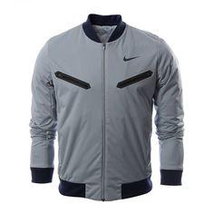 La chamarra de tenis para hombre #Nike Premier Rafa está confeccionada con tejido que capilariza el sudor y mangas articuladas que te mantienen seco.