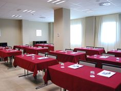 Hotel Holiday Inn Express Campo de Gibraltar, Barrios13 #Hotel #Holiday #Inn #Express #Campo #Gibraltar Conference Room, Holiday, Table, Furniture, Home Decor, Country, Homemade Home Decor, Vacation, Meeting Rooms