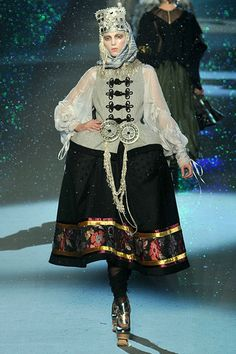 Fashion and Traditional Greek Costumes