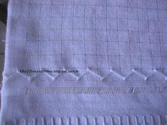 Trocas de Linhas: BORDADO DESFIADO- Com passo a passo. Needlepoint, Geronimo, White Embroidery, Embroidered Towels, Silk Ribbon Embroidery, Embroidery For Beginners, Crochet Kitchen, Hardanger Embroidery, Towels