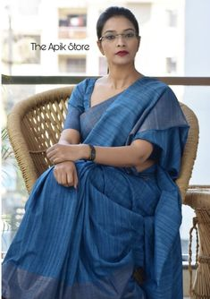Check out this collection of best formal office wear sarees collection online from the brand The Apik store. Simple Sarees, Trendy Sarees, Stylish Sarees, Cotton Saree Designs, Sari Blouse Designs, Indian Silk Sarees, Indian Beauty Saree, Cotton Saree Blouse, Cotton Sarees Handloom
