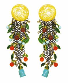 A La Luna de Valencia earrings, representing the moon's reflection over a garden, features Blue de Perse turquoise, gemstones and enamel by Vicente Gracia