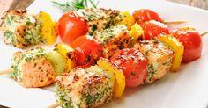 Lachs-Spieße mit Gemüse ist ein Rezept mit frischen Zutaten aus der Kategorie Fruchtgemüse. Probieren Sie dieses und weitere Rezepte von EAT SMARTER!