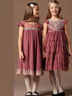 miss+mano+petit. Frocks For Girls, Little Girl Dresses, Girls Dresses, Toddler Dress, Baby Dress, Dress Anak, Kids Frocks Design, Girl Dress Patterns, Frock Design