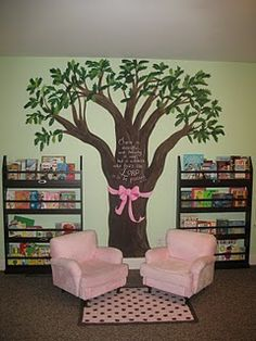 Might have pinned this before, but it is an adorable reading corner