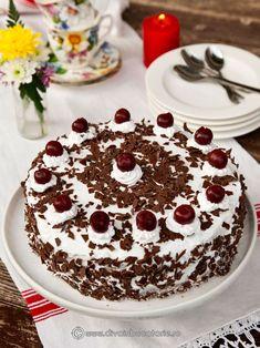 tort-foret-noire Romanian Food, Romanian Recipes, Food Cakes, Tiramisu, Delicious Desserts, Cake Recipes, Candy, Ethnic Recipes, Gastronomia