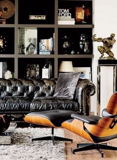 Masculine + contemporary office / library sitting area with leather tufted chesterfield sofa and a black leather eames lounge chair. Masculine Living Rooms, Masculine Interior, Masculine Apartment, Manly Living Room, Masculine Room, Capitone Sofa, Casa Steampunk, Living Room Decor, Living Spaces