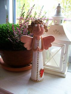 Sculpture Clay, Sculptures, Diy Play Doh, Pottery Angels, Paper Mache, Socha, Whimsical, Projects To Try, Christmas Ornaments