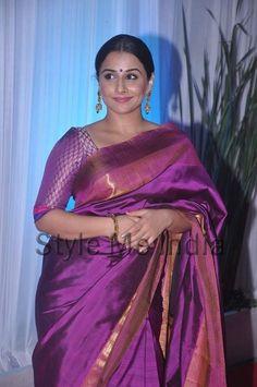 Picture 1 of Vidya Balan Beautiful Girl In India, Beautiful Saree, Simply Beautiful, Indian Dresses, Indian Outfits, Indian Clothes, Indian Beauty Saree, Indian Sarees, Indian Celebrities