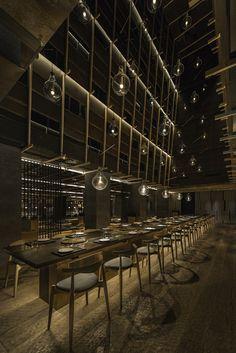 korean restaurant chi-q-restaurant-neri-and-hu-sha - Cafe Restaurant, Cool Restaurant Design, Korean Bbq Restaurant, Restaurant Lighting, Cafe Bar, Restaurant Interiors, Neri And Hu, Interior Design Awards, Japanese Interior