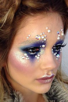Ideas to Make Fairy Christmas Makeup ★ See more: http://glaminati.com/fairy-christmas-makeup-ideas/