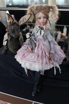Button detail on cardigan New Dolls, Ooak Dolls, Blythe Dolls, Big Eyes Artist, Human Doll, Mori Fashion, Doll Painting, Polymer Clay Dolls, Paperclay