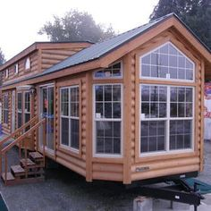 Welcome to the Tiny House Meetup! In this group, you will found other forms of tiny living, be it container, boat, tree house. Do you dream of a tiny house? Do you owe a big land that h Tyni House, Tiny House Living, House Roof, Tiny House Movement, Tiny House Plans, Tiny House On Wheels, Tiny House Nation, Cabins And Cottages, Tiny Spaces