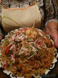Волшебный, сказочный, желанный, Изысканный узбекский плов!!!!Попробуйте,вам понравится!!! Tandoori Recipes, Russian Recipes, Fried Rice, Bon Appetit, Seafood, Side Dishes, Salads, Pork, Food And Drink
