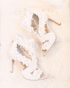Innovias | Blog de Innovias – Vestidos de novia a precios de fabrica Blog, Wedding, Shoes, Fashion, Bride Shoes, Daytime Wedding, Weddings, Boyfriends, Valentines Day Weddings