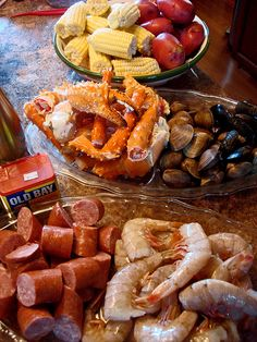 Seafood Boil Youve maybe heard it called many names Frogmore Stew Beaufort Stew Lowcountry boil Louisiana Crawfish boil or a tidewater boil Traditionally youll find them. Seafood Boil Recipes, Fish Recipes, Seafood Boil Party Ideas, Shrimp Boil Party, Cajun Seafood Boil, Party Recipes, Shrimp And Crab Boil, Lobster Boil, Seafood Bake