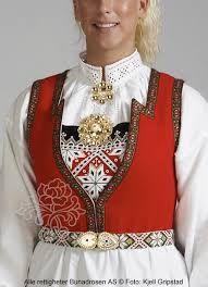 Hardangerbunad til dame - BunadRosen AS Bergen, Folk Costume, Costumes, Hardanger Embroidery, Medieval Dress, How To Purl Knit, Ethnic Fashion, Traditional Dresses, Cotton Dresses