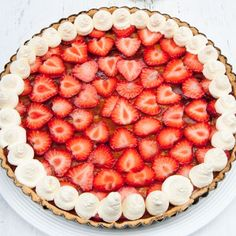 Try our delicious summer tart recipe plus other recipes from Red Online Summer Cake Recipes, Summer Cakes, Tart Recipes, Dessert Recipes, Desserts, Dessert Tarts, Caramel Apple Cheesecake, Strawberry Tart, Strawberries And Cream