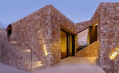 "Rodia Stone House / Nikos Smyrlis Architect - one day it will be old, but now.the modern version of ""stone house"" Design Exterior, Facade Design, Fence Design, Architecture Design, Stone Facade, Stone Masonry, Brick Fence, Stone Houses, Facade House"