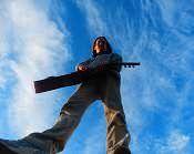 Klassik Rock Pop Blues Metall Punk Es gibt technische Grundlagen die es zu erlernen gilt, um schon bald Deine Lieblingsmusik selbst auf der Gitarre zu spielen.