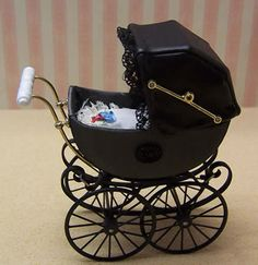 Antique Pram in Grey, Dolls House Miniature (XZ106)