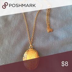 """Jewelry Vintage gold tone locket. Holds two photos. 18"""" chain. Jewelry Necklaces"""