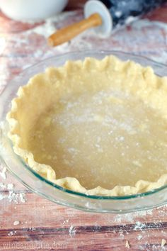 How to Make Pie Crust A Fool Proof Pie Crust Recipe: This Fool Proof Pie Crust is seriously so easy, moist and delicious! Step by step photo tutorial! Pie Crust Recipes, Pastry Recipes, Baking Recipes, Pie Crusts, Flakey Pie Crust, Köstliche Desserts, Delicious Desserts, Dessert Recipes, Plated Desserts