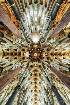 Sagrada Familia, Antoni Gaudí architect, Barcelona (Catalonia)  By Stian Rekdal, via 500px