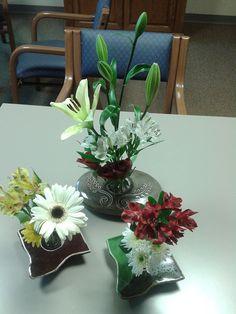 ikebana vase arrangements