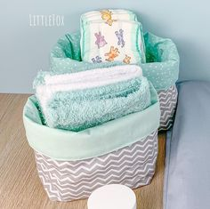 Mint changing and rafters Chevron Gris, Chevrons, Baby List, Baby Bedroom, Bassinet, Diaper Bag, Baby Shower, Throw Pillows, Furniture