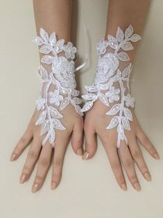 Discover recipes, home ideas, style inspiration and other ideas to try. Bride Gloves, Wedding Gloves, Lace Gloves, Bridal Tiara, Bridal Lace, Wedding Lace, Wedding Decor, Wedding Ideas, Lace Wedding Dress With Sleeves