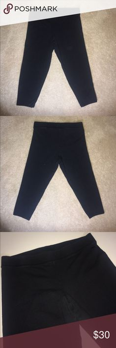 Victoria Secret Pink Ultimate Crop Leggings Only worn twice Victoria Secret Pink Ultimate Crop Leggings! Super comfy black stretch fabric. Embroidered Pink logo dog. Size Medium.  Free to make a comment or offer down below! Thanks for browsing! PINK Pants Leggings
